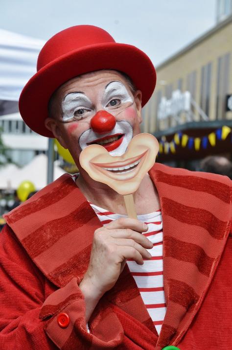 clown-365375_1280