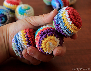 crocheted-juggling-balls_small2