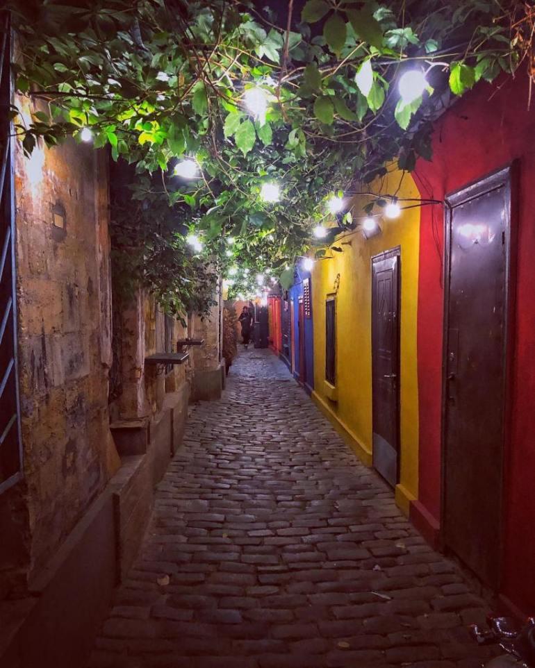 artur-two-hallways